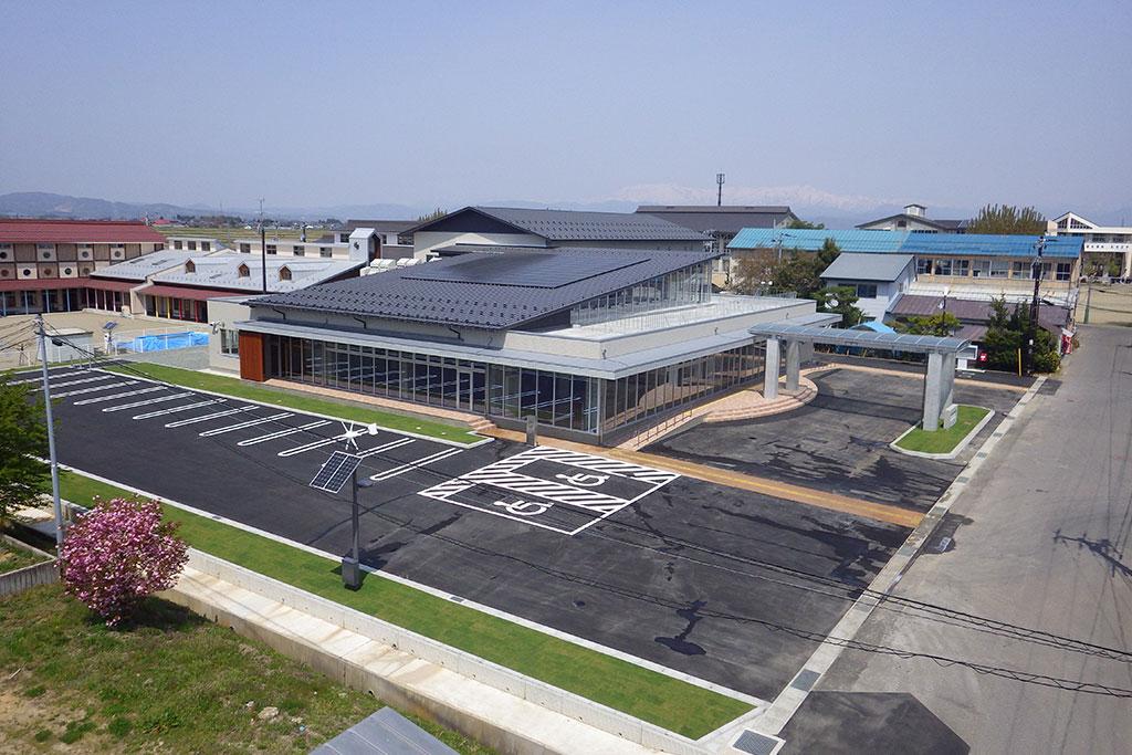 湯川村役場庁舎
